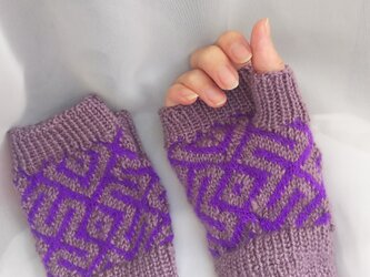 東欧・ロシア伝統模様のハンドウォーマー*手編み*小さめの手の方にもの画像