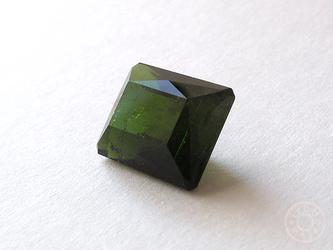18 トルマリン(緑)の画像