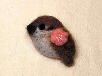 羊毛ブローチ「梅すずめ」の画像