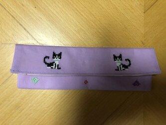 クロスステッチ刺繍*二匹のハチワレ猫★カトラリーケースの画像