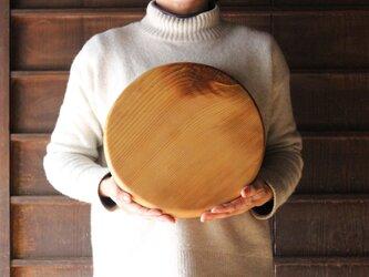 木のカッティングボード 大きな丸(厚め)の画像