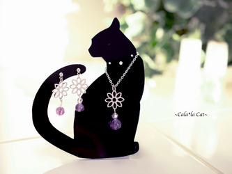 黒猫1のアクセサリー掛け 2月の誕生石 天然石アメジストのシルバージュエリーセット(ピアス/イヤリング/ネックレス)の画像
