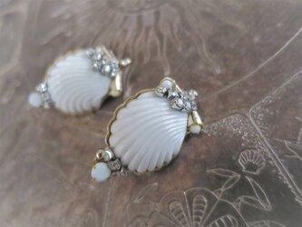 ホワイトシェルイヤリング vintage earrings white shell <ER-shwht2>の画像