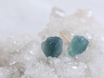 Blue Tourmarine rough rock pierced earrings ブルートルマリンの原石ピアスK18の画像
