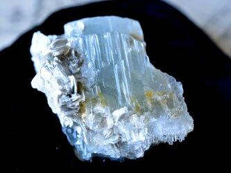 アクアマリン モスコバイト パキスタン・スカルドゥ産 90g/ 鉱物・結晶原石の画像
