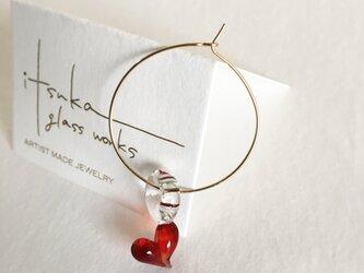red heart -ガラスと14kgfの片耳フープピアス-の画像