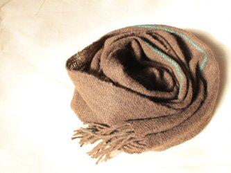 手紡ぎヤクのマフラー こげ茶に鮮やかなグリーンのライン 手織りの画像