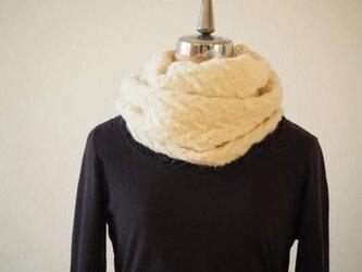 バスケット編みのふわとろスヌード*オフホワイトの画像