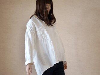 リネンレーヨンのシャツ ホワイトの画像