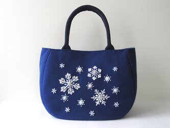 雪の結晶*ビーズ刺繍のトートバッグの画像