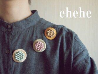 minori-berry刺繍ブローチの画像