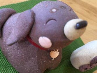 ダックス犬の置き物 陶器の画像