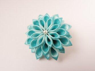 薄青花のコサージュ lightの画像
