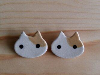 猫ブローチ(茶白ぶち)の画像