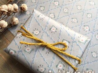 A4サイズのうす紙【格子の小花】の画像