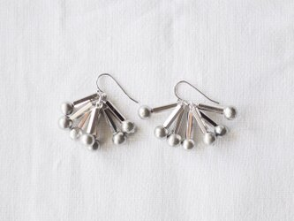 tsuntsun earrings /silverの画像