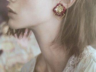 ピアス・ショコラ 耳飾り(ラズベリー)の画像