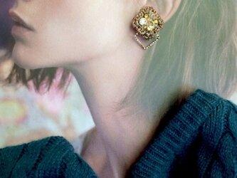 ピアス・ショコラ 耳飾り(プレーン)の画像