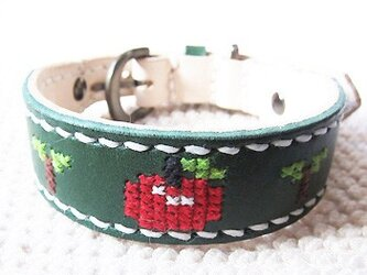 革製クロスステッチ首輪(緑×りんご)25.5cm~30cmの画像