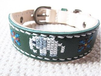 革製クロスステッチ首輪(緑×ゾウ)25.5cm~30cmの画像
