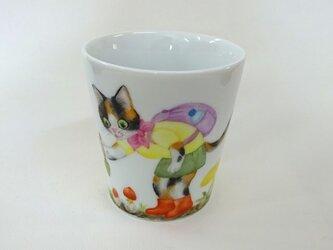タマゴタケとねこのマグカップ(手描き)の画像