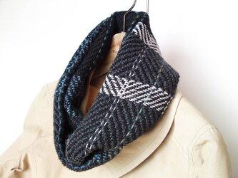 手織りスヌード グレー 黒・ボーダーの画像