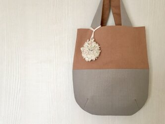 リバーシブル 帆布と綿のトートバッグ 2種チャーム付 ピンクの画像