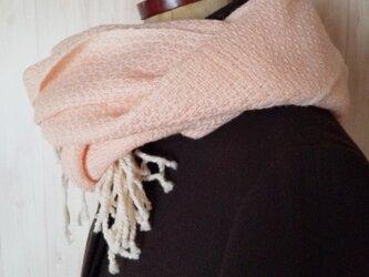 体にそっと馴染んでくれるシルクウール×カシミヤストール 手織り ピンク 914の画像