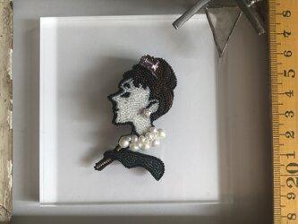 「AUDREY」 *リュネビル刺繍ブローチの画像