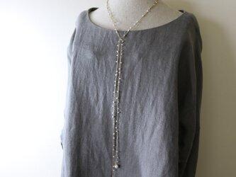 糸編みラリエット 淡水パール・ベージュの画像