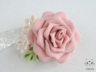 【再販】薔薇姫の輝き✡つまみ細工 2wayクリップピンコサージュ ⊰ エリザベス ⊱ 入学式・入園式・振袖・お呼ばれの画像