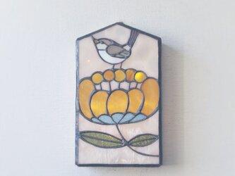 オレンジの花に鳥 壁掛けランプの画像