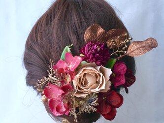 薔薇の髪飾りの画像