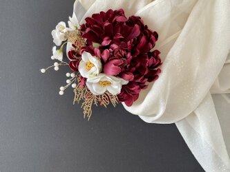 結婚式や成人式に マムの髪飾りの画像