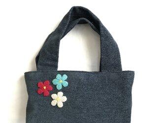 三色お花の刺繍バッグ(ネイビー)の画像