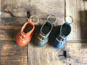 mini leather shoes keyringの画像