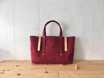 赤葡萄色の鞄の画像