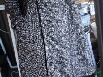 ウールツイードラウンド襟コートの画像
