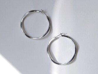 gentle hoop ピアス silverの画像