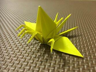五頭五尾を持つ鶴の画像