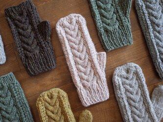 ケーブルとレースの手袋 / Herkkä[ヘルッカ]/ パウダーピンクの画像