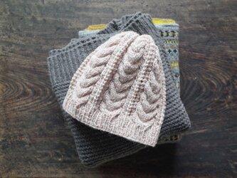 ケーブルとレースのニット帽 / Herkkä[ヘルッカ]/ パウダーピンクの画像