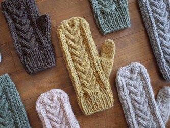 ケーブルとレースの手袋 / Herkkä[ヘルッカ]/ イエローの画像