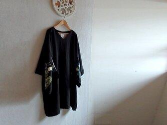Vネック着物スリーブ チュニックワンピース 青鶴と菊の画像