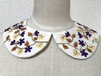 手刺繍つけ襟(生成り)の画像