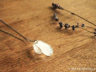 無色透明ガラスのネックレス -「 灯りのたね 」● 2.5cmの画像