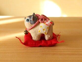 干支の陶張り子犬。(中)の画像