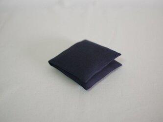 大人のリネンのサニタリーケース《紺色》の画像