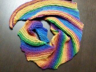 虹色のアシンメトリーショールの画像