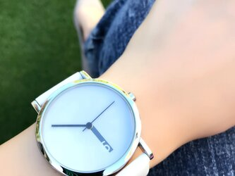 クリエイティブデザイン*隠し文字盤腕時計 white×white <g-013>の画像